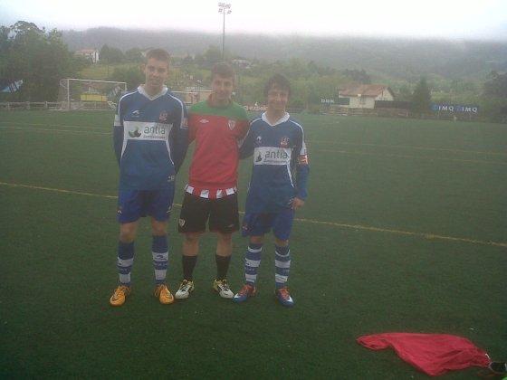 En Lezama, contra el Athletic (19 de Mayo, 2012). Juanjo, a la izquierda.